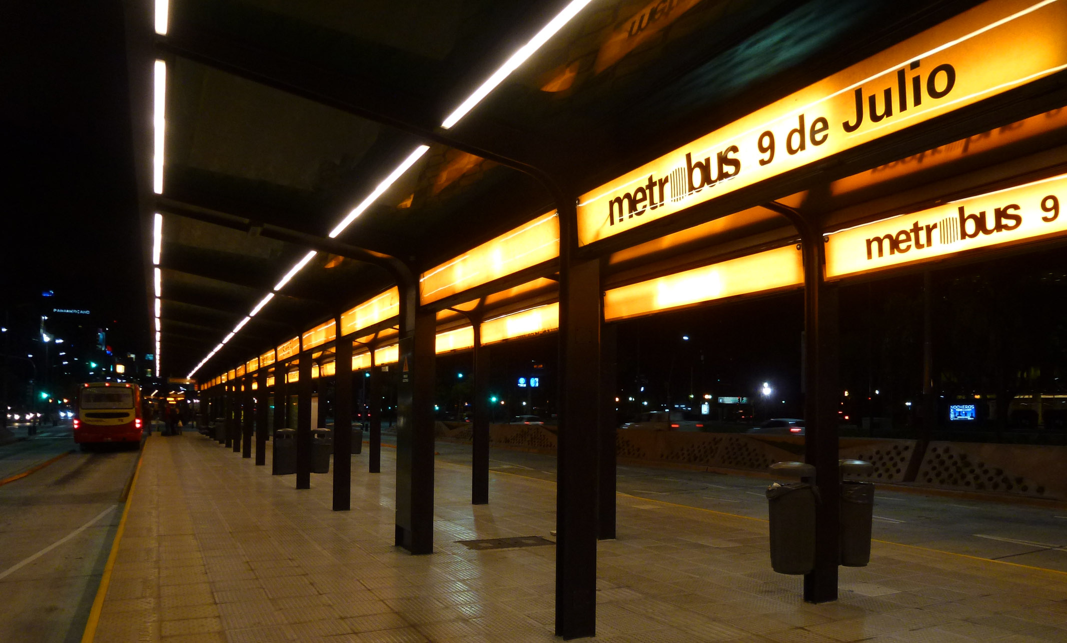 Metrobus-008-9julio.jpg